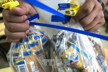 Pháp thừa nhận sữa nhiễm khuẩn salmonella của hãng Lactalis vẫn có trên thị trường