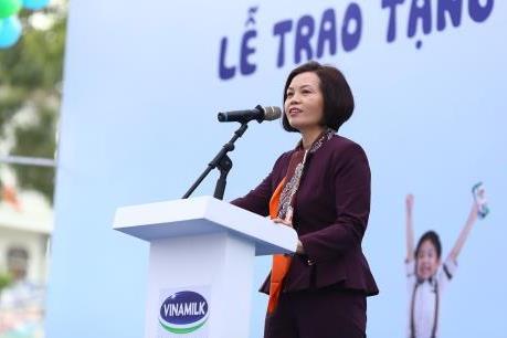 """Quỹ sữa """"Vươn cao Việt Nam"""" trao tặng 70.500 ly sữa tại Hưng Yên"""