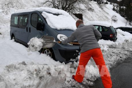 Cảnh báo hỏa hoạn và lở tuyết do bão Eleanor tại châu Âu