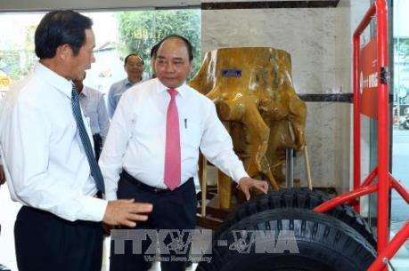 Thủ tướng Nguyễn Xuân Phúc thăm, làm việc với Tập đoàn Cao su Việt Nam
