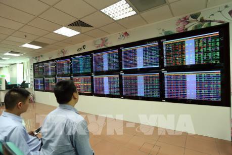 Chứng khoán tuần từ 8 - 12/1: Đà tăng có thể tiếp diễn nhờ dẫn dắt cổ phiếu vốn hóa lớn?