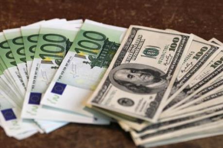 Dự trữ ngoại tệ của Trung Quốc tăng thêm 129,4 tỷ USD