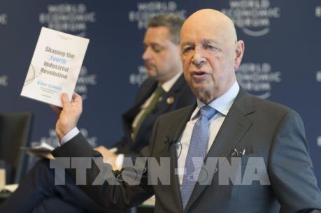 Chủ tịch WEF: Sự cấp thiết của việc định hình cuộc cách mạng công nghiệp 4.0