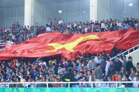 """Hàng trăm m2 màn hình LED phục vụ fan xem U23 Việt Nam ở """"chảo lửa"""" Mỹ Đình"""
