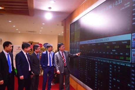 HNX: Doanh nghiệp càng minh bạch giá cổ phiếu càng cao