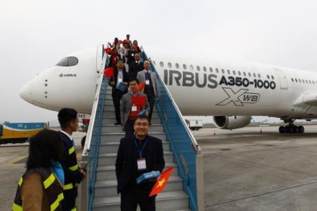 Máy bay mới A350-1000 lần đầu tiên có mặt tại Việt Nam