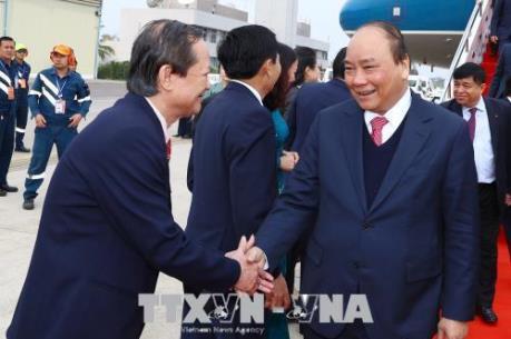 Thủ tướng bắt đầu chuyến tham dự và chủ trì Kỳ họp lần thứ 40 Ủy Ban liên CP Việt Nam-Lào