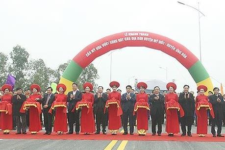 Hà Nội đưa vào khai thác cầu Mỹ Hòa vượt sông Đáy