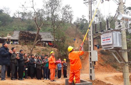Sơn La có thêm 4.100 hộ dân được cấp điện lưới Quốc gia trước Tết Nguyên đán