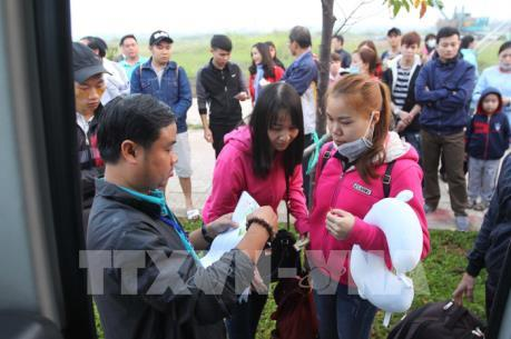 Chuyến xe xuân nghĩa tình lăn bánh đưa gần 4.000 công nhân Bình Dương về quê đón Tết