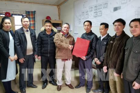 Ấm áp hương vị Tết cổ truyền đến công nhân Việt Nam tại Algeria