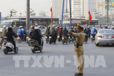 Hà Nội tiếp tục xén dải phân cách mở rộng đường một loạt tuyến phố
