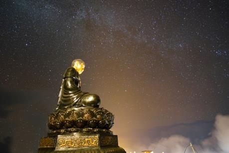 Ngỡ ngàng trước kiệt tác kiến trúc tâm linh trên đỉnh Fansipan