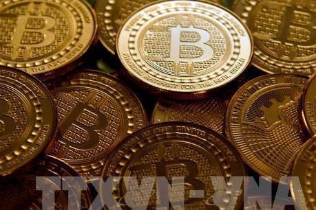 """Tiền ảo bitcoin """"rơi tự do"""" xuống ngưỡng 3.500 USD"""