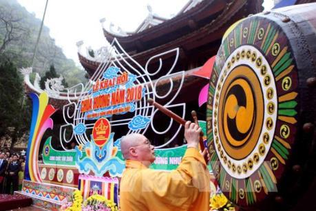 Khai hội chùa Hương 2018