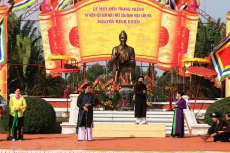 Làm gì để giữ nét đẹp văn hóa tại các khu di tích, lễ hội?