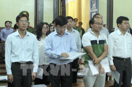 Xét xử vụ án tại Navibank: Tạm dừng xét xử để bổ sung tài liệu