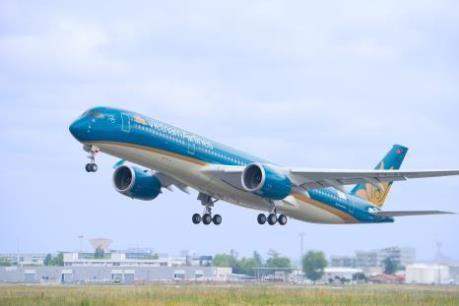 Máy bay của Vietnam Airlines phải hạ cánh khẩn cấp cứu khách nước ngoài co giật
