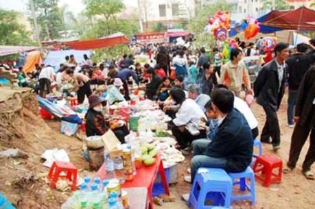 Quản lý an toàn thực phẩm trong các lễ hội còn nhiều khó khăn