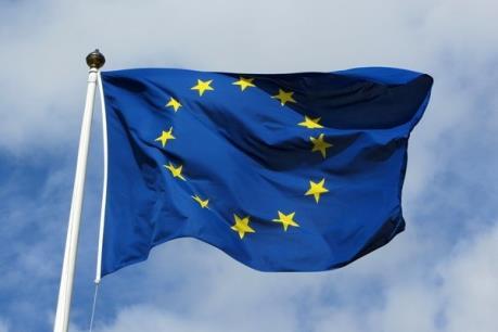 EU gia hạn trừng phạt 13 cá nhân người Ukraine