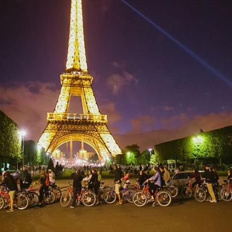 Ngày Quốc tế phụ nữ 8/3: Pháp thắp sáng tháp Eiffel với thông điệp tôn vinh nữ quyền