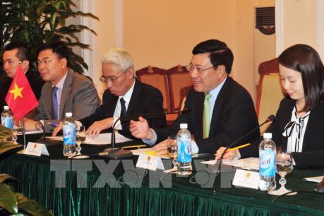 Phó Phó Thủ tướng Phạm Bình Minh hội đàm với Bộ trưởng Ngoại giao Hàn Quốc