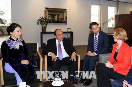 Thủ tướng Nguyễn Xuân Phúc đến Auckland, bắt đầu thăm chính thức New Zealand