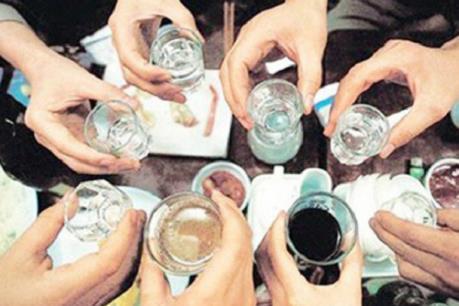 Nghi ngộ độc rượu làm 4 người tử vong, 1 người nguy kịch