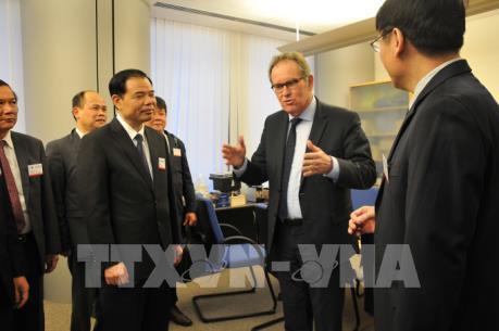 Bộ trưởng Nguyễn Xuân Cường làm việc với Cao ủy EU về vấn đề thẻ vàng IUU