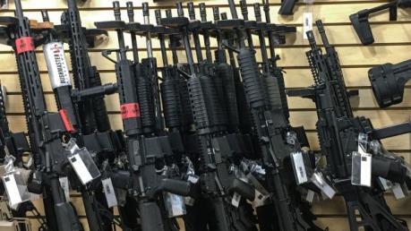 Canada cảnh báo nạn buôn bán súng đạn bất hợp pháp