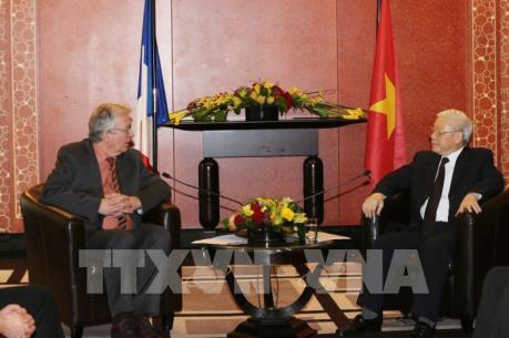 Tổng Bí thư Nguyễn Phú Trọng tiếp Bí thư toàn quốc Đảng Cộng sản Pháp Pierre Laurent