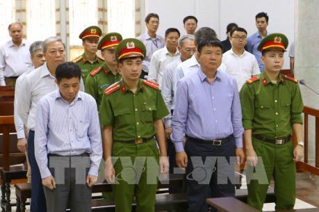 Xét xử vụ góp vốn 800 tỷ đồng vào OceanBank: Bị cáo Đinh La Thăng bị tuyên phạt 18 năm tù
