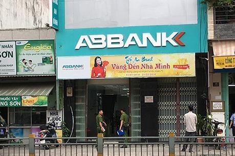 Điều tra một vụ cướp ngân hàng bất thành