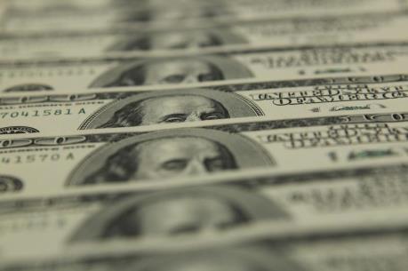 Dòng tiền đầu tư đang chảy từ Canada sang Mỹ
