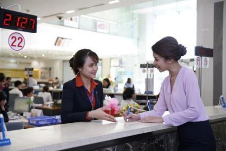 Thu dịch vụ tăng, lợi nhuận Sacombank vượt 21,4%