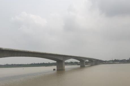 Cầu Hưng Hà sẽ hoàn thành sớm một năm so với dự kiến