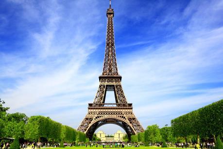 Tháp Eiffel tạm đóng cửa do đình công