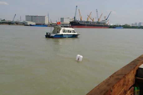 Vụ hai sà lan đâm nhau trên sông Sài Gòn: Trục vớt xong sà lan bị chìm