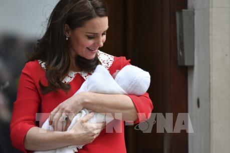 """Những điều thú vị về sự chào đời của """"Hoàng tử bé"""" nước Anh"""