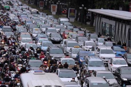 Nghỉ lễ 30/4-1/5: Giá cho thuê xe ô tô tự lái tăng đột biến