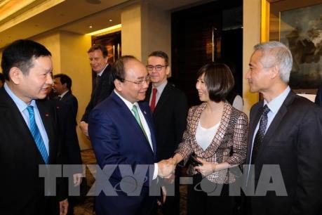 Thủ tướng Nguyễn Xuân Phúc dự tọa đàm bàn tròn với các công ty đa quốc gia