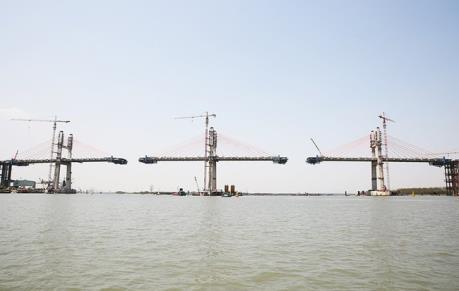 Hợp long cầu Bạch Đằng nối Quảng Ninh và Hải Phòng