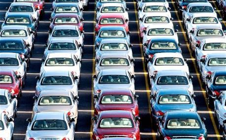 Doanh số bán ô tô tại Anh tăng lần đầu tiên trong 12 tháng
