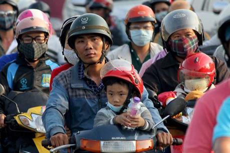 Để việc đội mũ bảo hiểm khi đi xe gắn máy phát huy hiệu quả