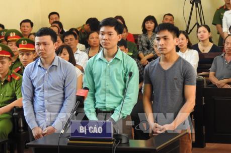 Hoãn phiên xử sơ thẩm các bị cáo trong sự cố y khoa tại Bệnh viện đa khoa tỉnh Hòa Bình