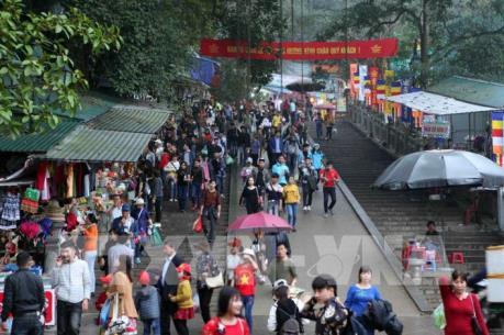 Hà Nội: Chấn chỉnh các chư tăng, ni để xảy ra việc tranh giành lộc tại chùa Hương