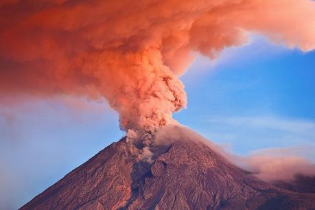 Indonesia: Núi lửa Mt. Merapi bất ngờ phun trào