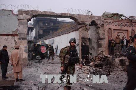 Hàng loạt vụ nổ và đấu súng tại Afghanistan gây thương vong lớn
