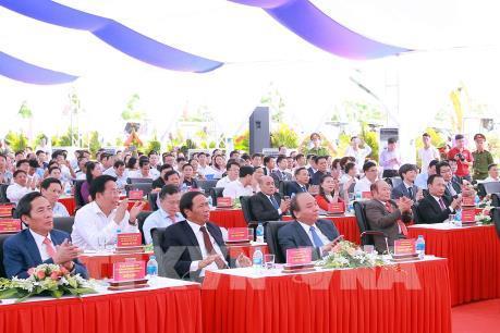Thủ tướng thị sát một số công trình kinh tế xã hội trọng điểm tại Hải Phòng