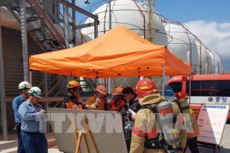 13 người nhập viện do rò rỉ khí clo tại nhà máy hóa chất
